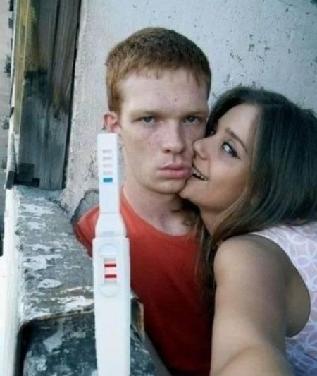 pregnancy test funny couple picture