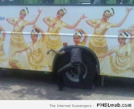 Funny bus picture at PMSLweb.com