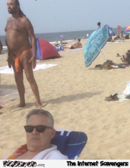 Hilarious beach photo at PMSLweb.com